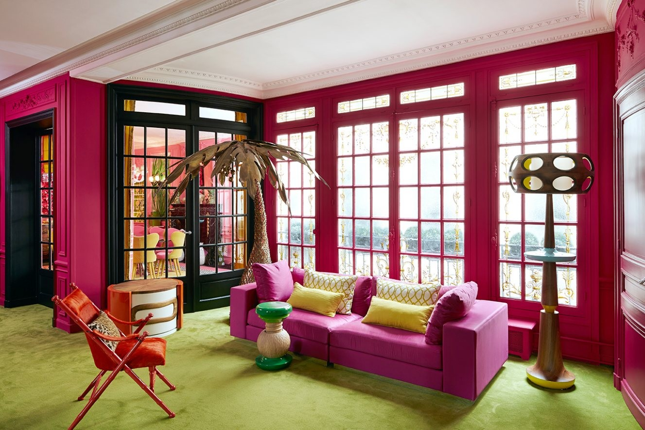 avenue-niel-apartment-colourful-design-furniture-good-art-interiors-5-1327-x-885.jpg