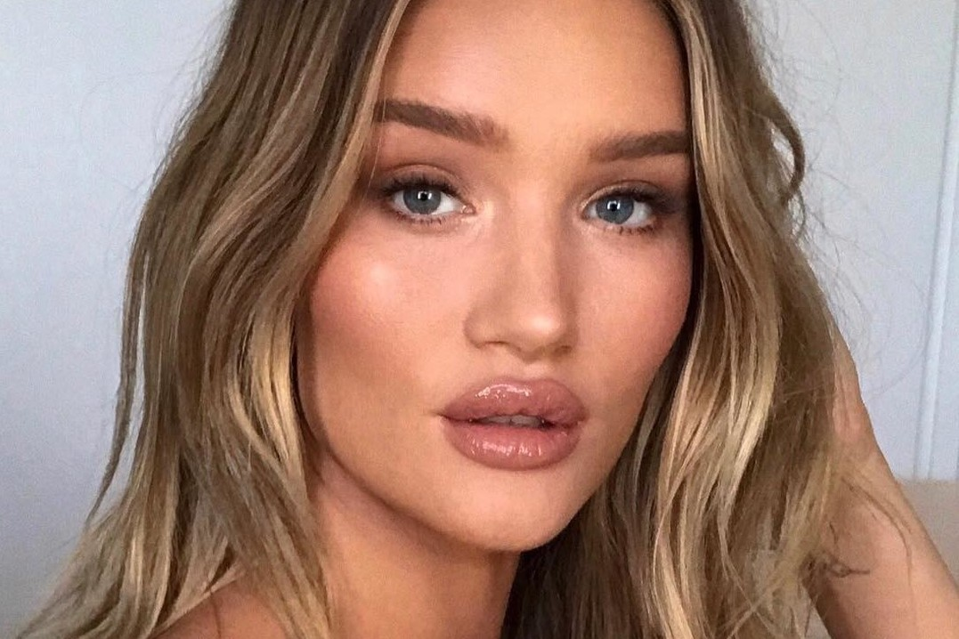 rosie-huntington-whiteley-oB7Ll.jpg