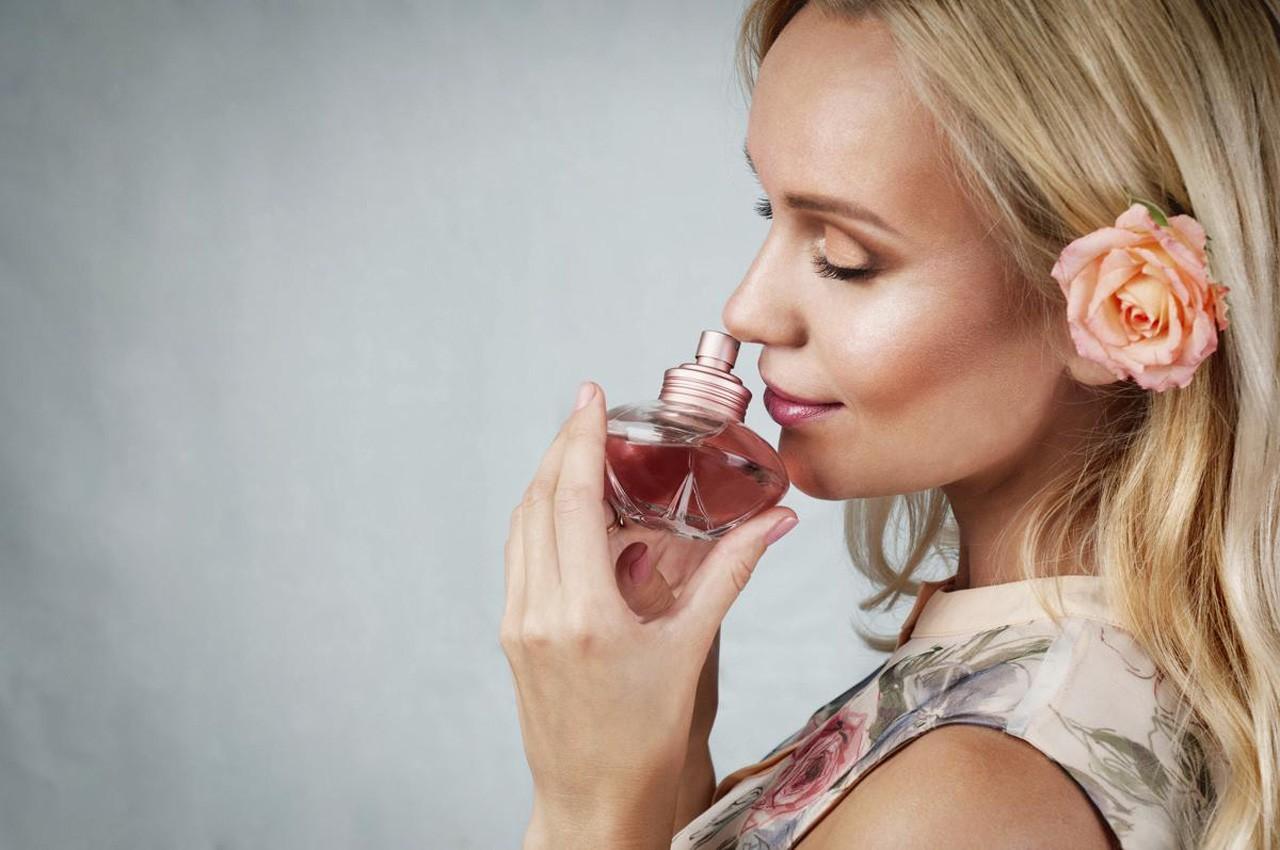 woman-with-perfume.jpg