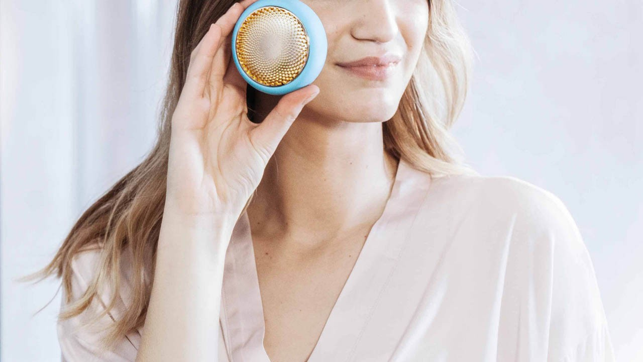 foreo-ufo-face-mask-device.jpg