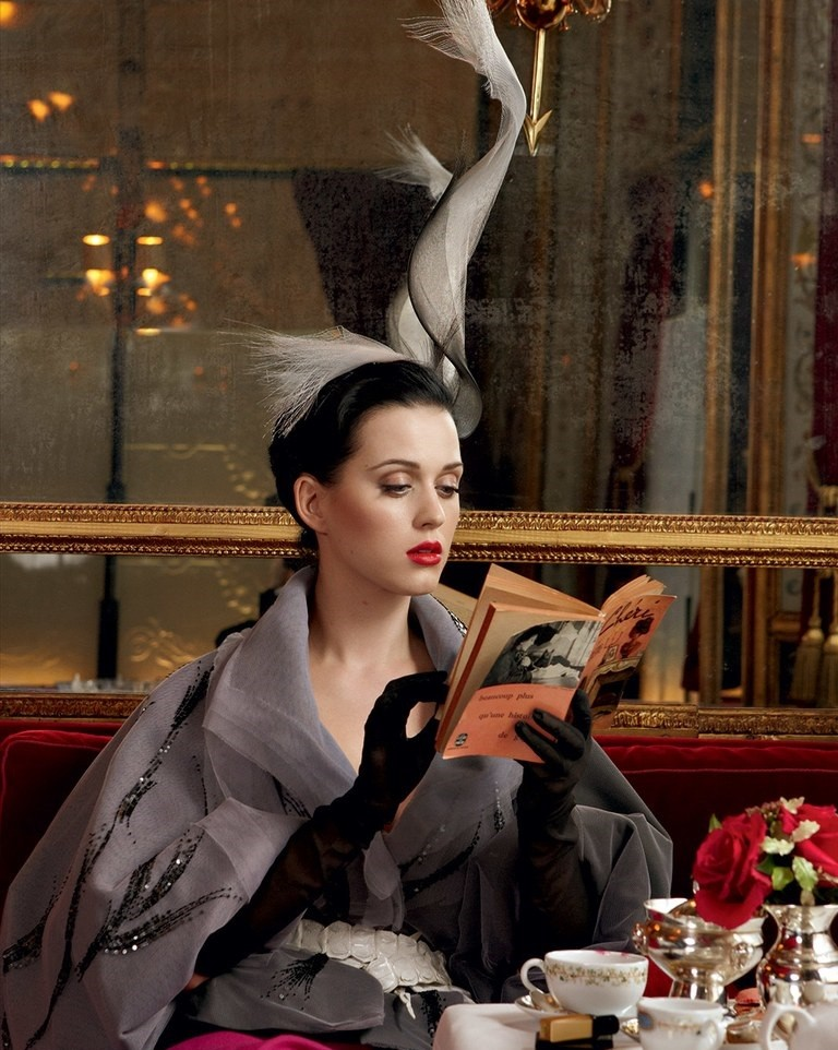 katy-perry-annie-leibovitz-june-2011-vf-04.jpg