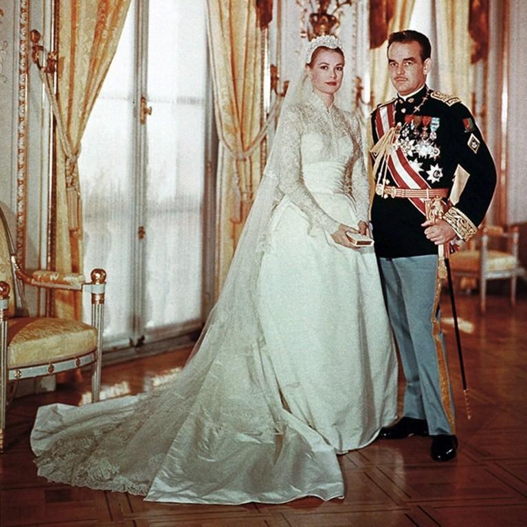 1b04f82941b3 Το μουσείο του Christian Dior υμνεί το στιλ της Grace Kelly με μια ...