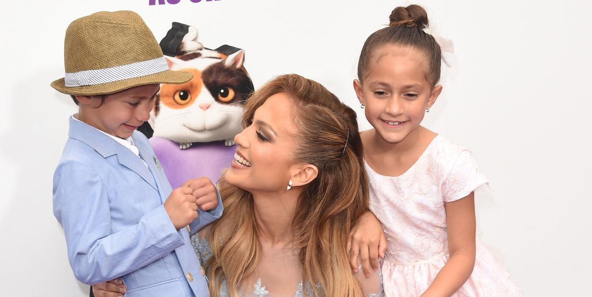jennifer-lopez-with-daughter-emme-and-son-max-attend-the-news-photo-467255426-1550866425.jpg