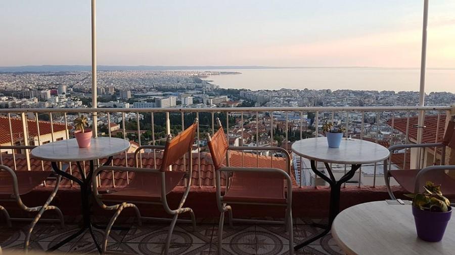castra-cafe-bar-thessaloniki.jpg
