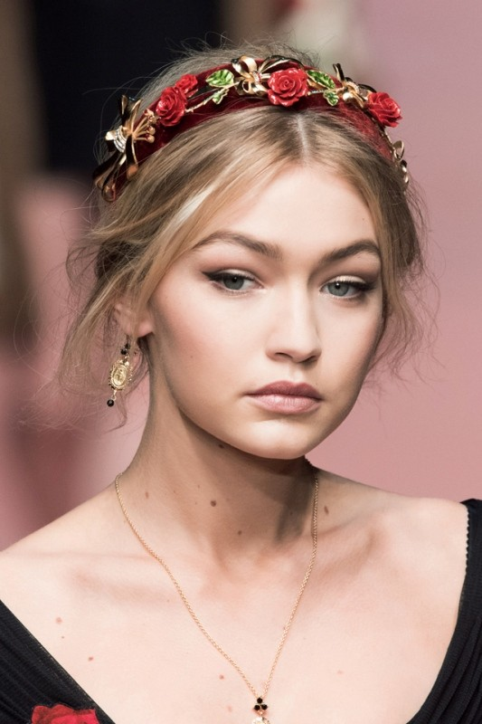 the-hottest-fashion-trend-15-stylish-headbands-to-rock-this-spring-1.jpg