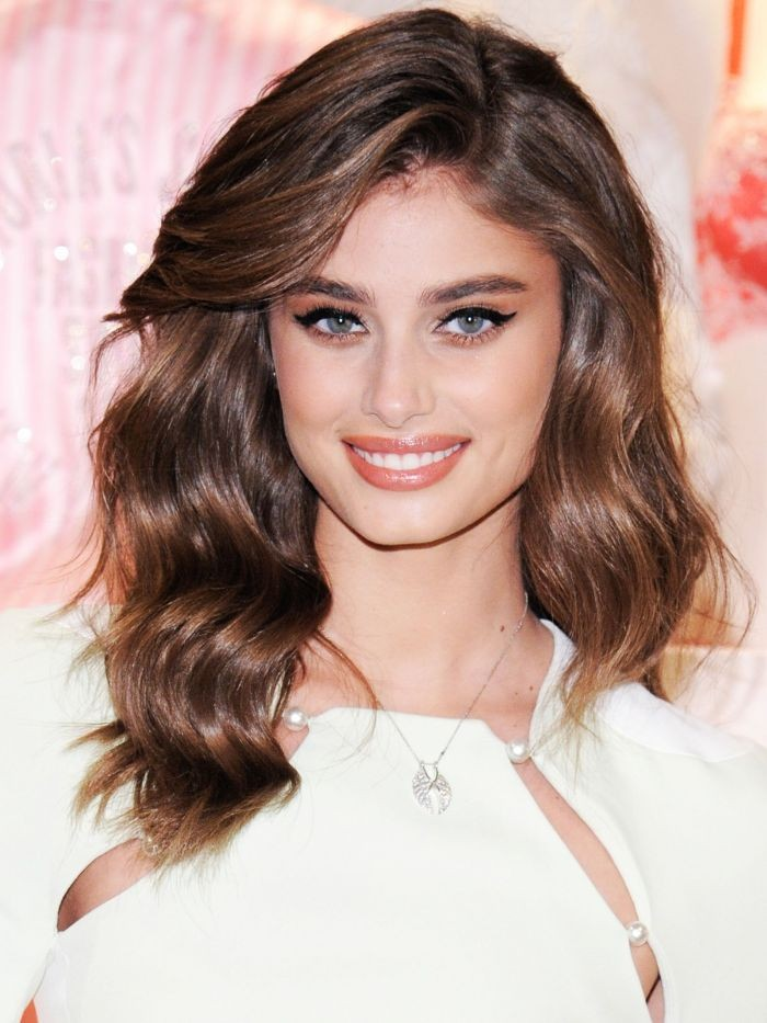 cdncliqueinccom-cache-posts-178892-exclusive-taylor-hill-shares-how-a-beauty-hang-up-became-her-trademark-1585976-1449512162700x0c-86aca41a0ef84528b6dba6e4a940d258-f6aa5ba796734744b83fbf2f8850db03.jpg