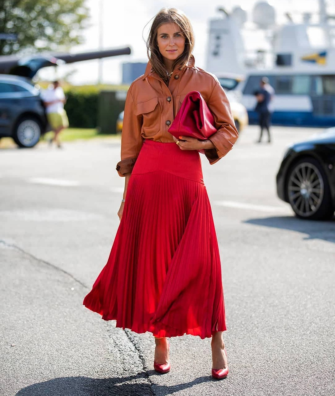 how-to-wear-bright-colors-in-fall-4.jpg