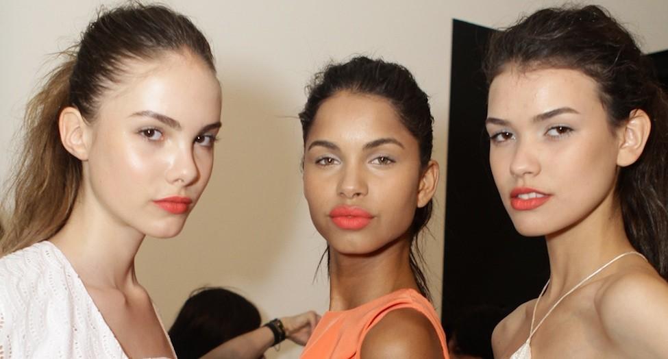 backstage-beauty-orange-lips-christian-siriano-fashiondailymag.jpg