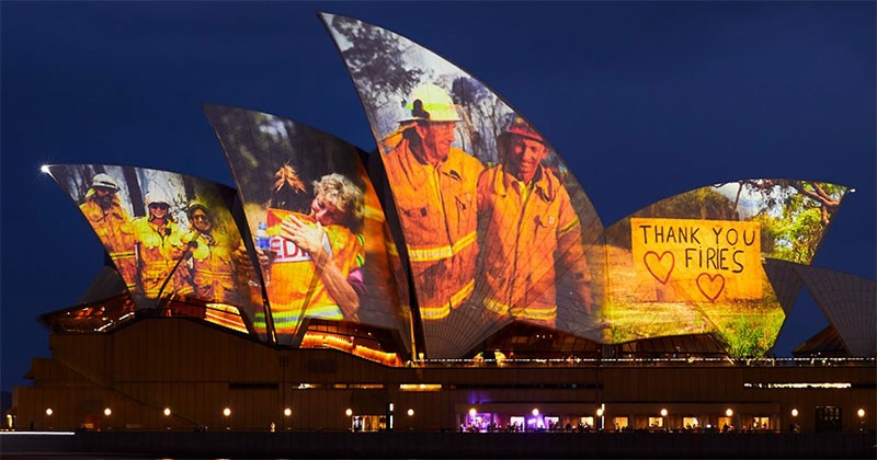 sydney-opera-house-thank-you-message-firefighters-cover.jpg