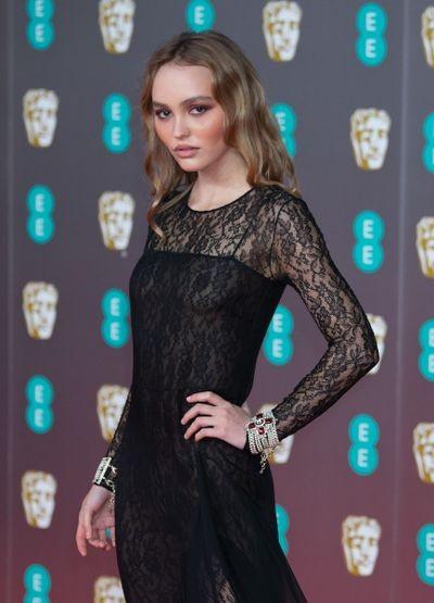lily-rose-depp-73e-ceremonie-des-british-academy-film-awards-bafta-royal-albert-hall-londre.jpg