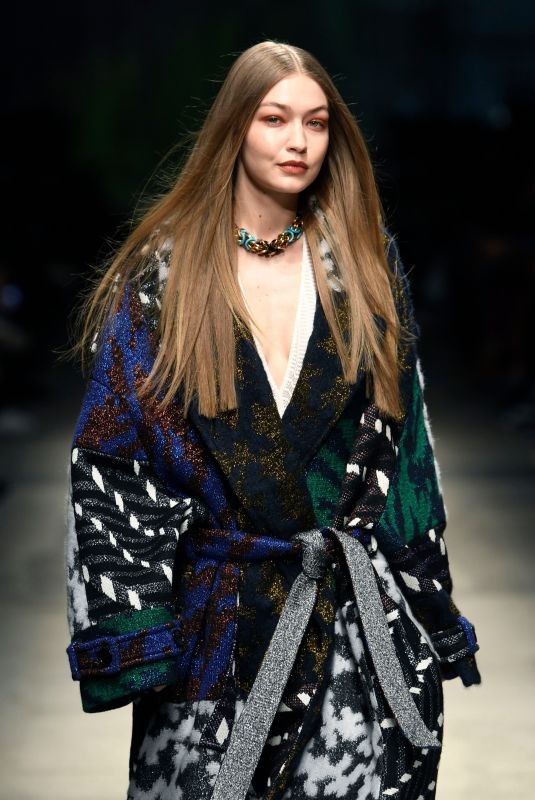 gigi-hadid-at-missoni-runway-show-at-milan-fashion-week-02-22-2020-12-thumbnail.jpg