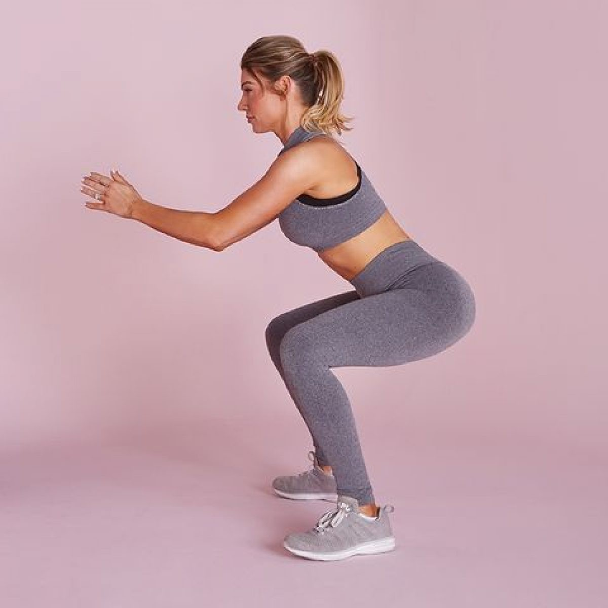 anna-victoria-squat-1548705288-1200x1200.jpg