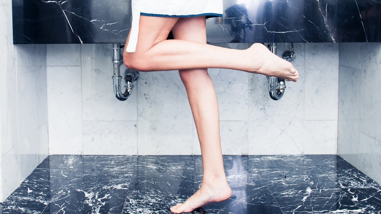 coveteur-editorial-hotel-shoot-171-home-hair-removal-products-homepage-1280x720.jpg