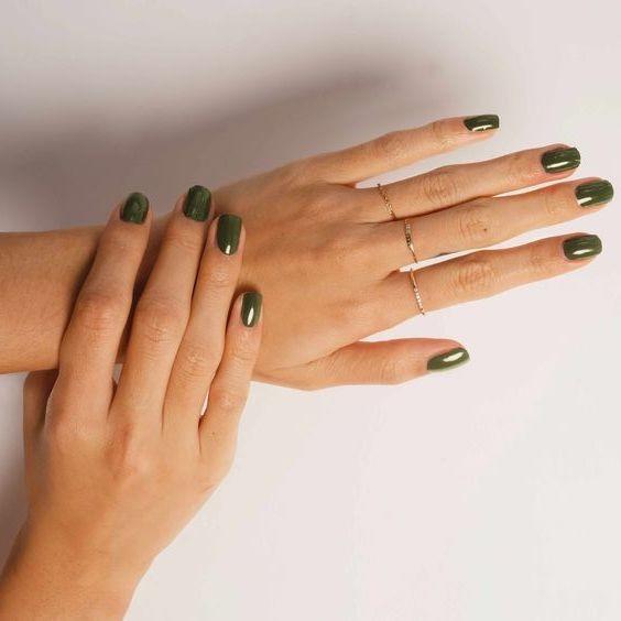 green-nails.jpg