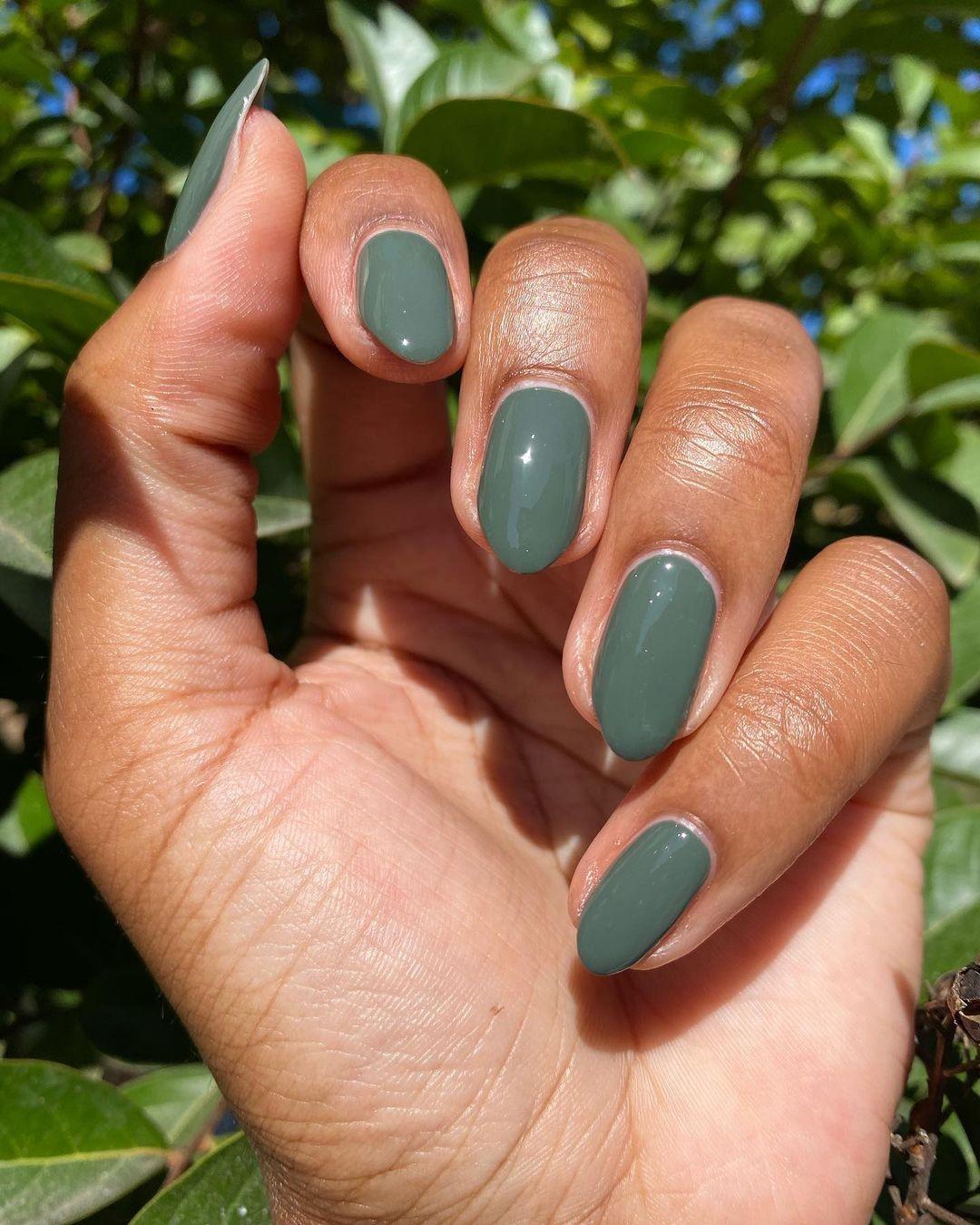 nails-green.jpg