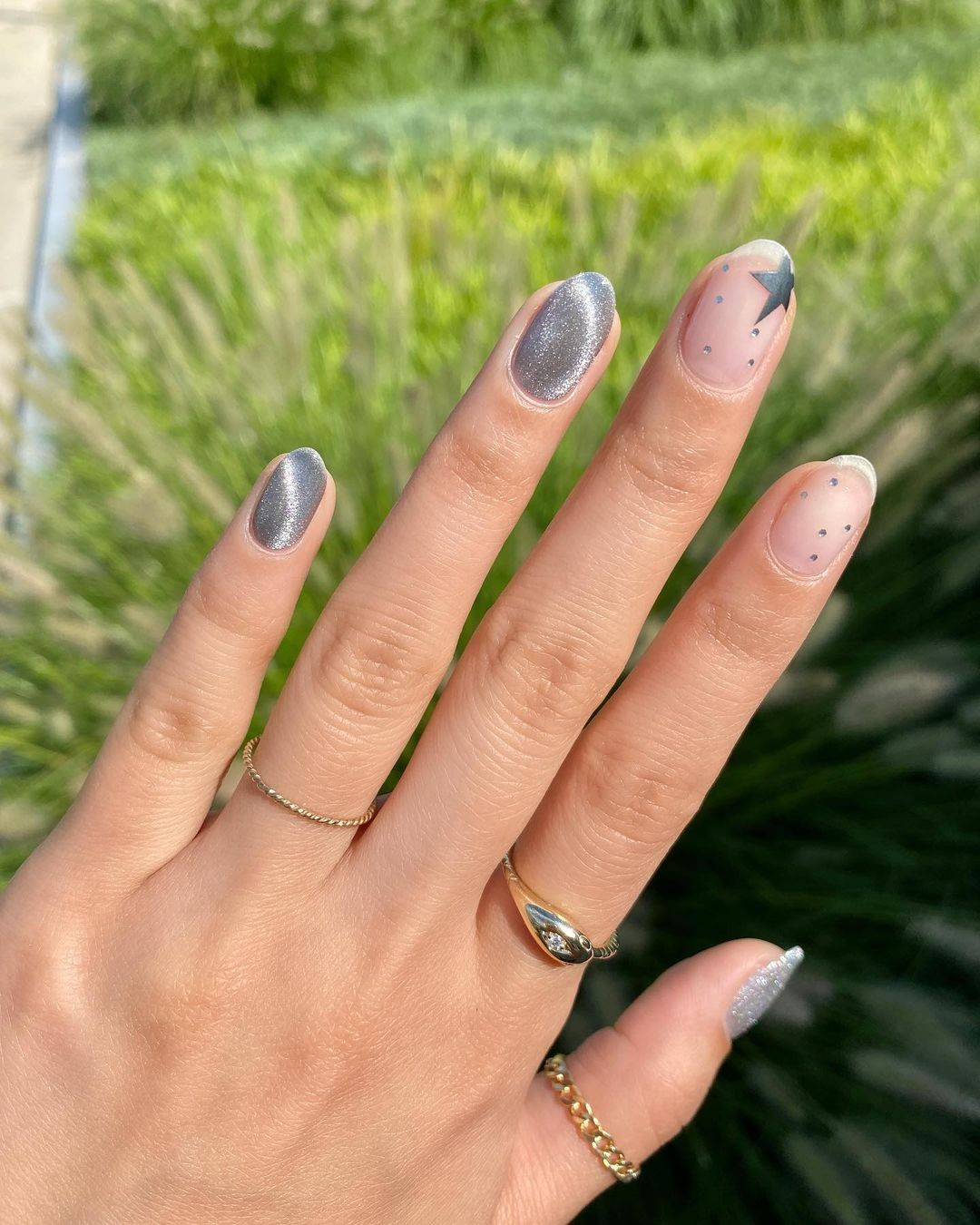 silvery-nails.jpg