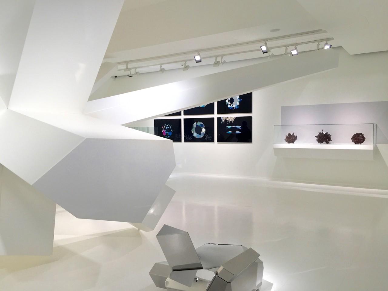 1-slideshow-niki-chatzinikolaou-swarovski-museum.jpg