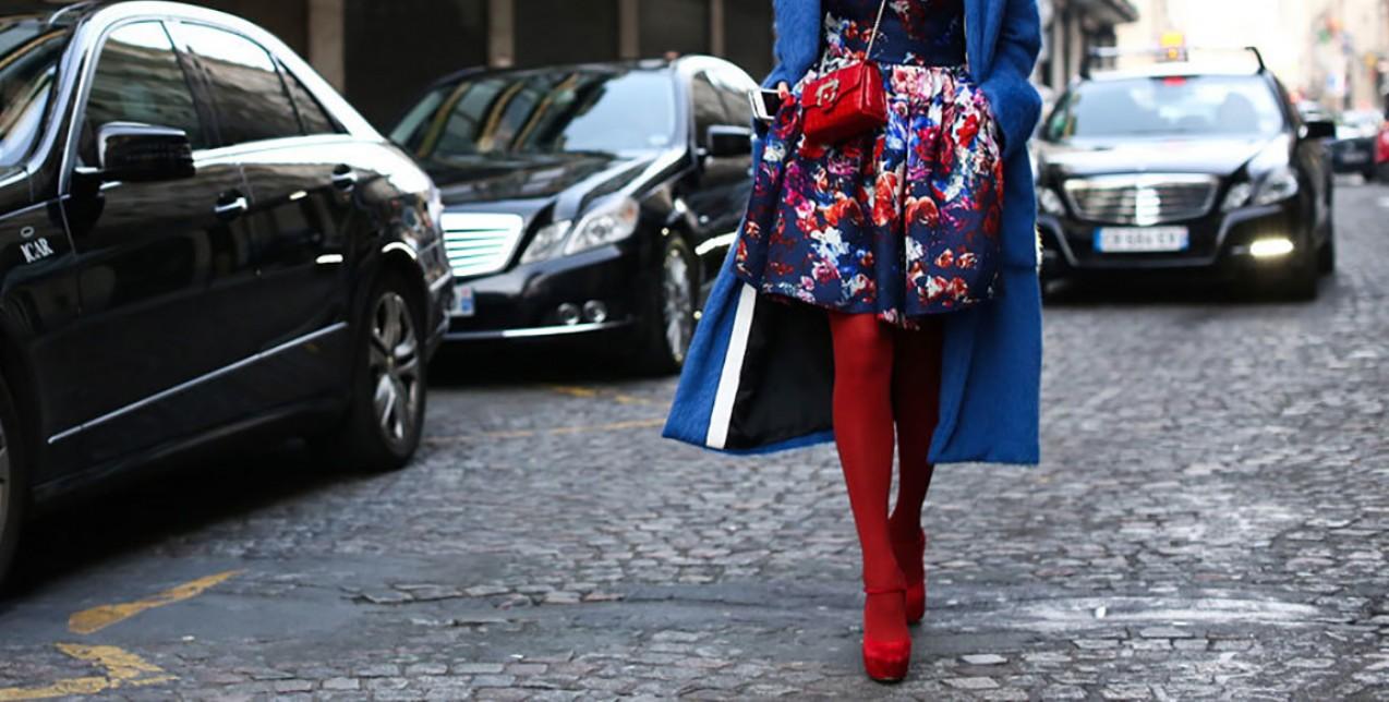 Συμβουλές για να τολμήσετε τα χρωματιστά καλσόν