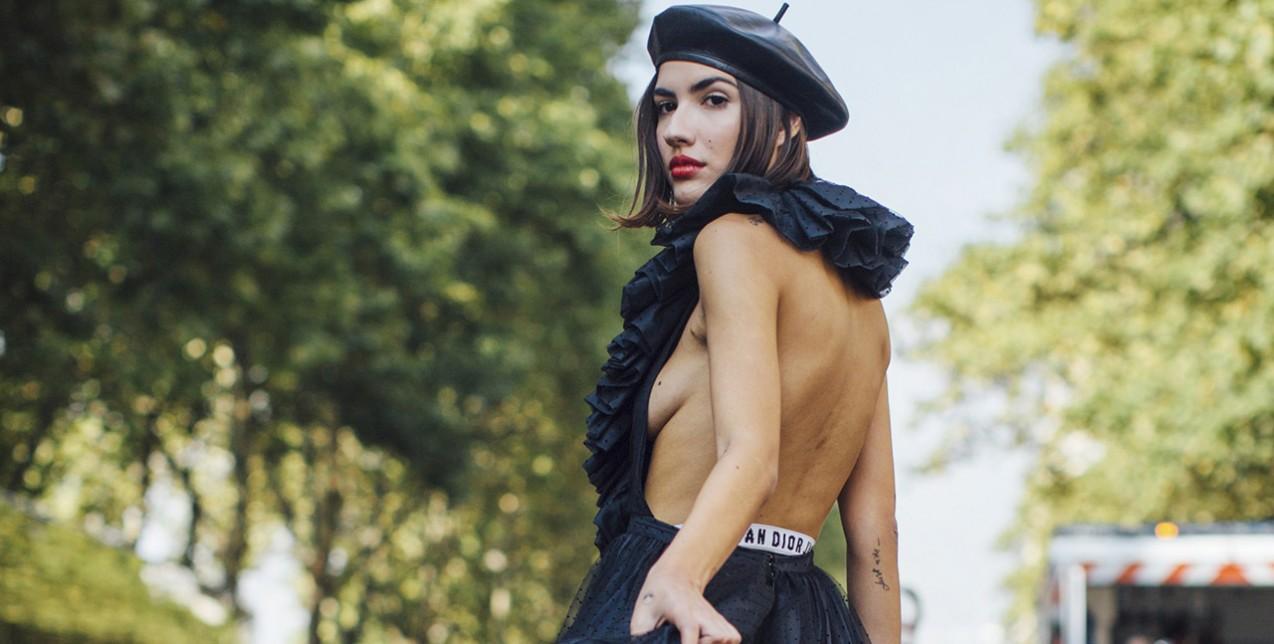 Πώς να στηρίξετε το στήθος σας όταν φοράτε αποκαλυπτικά ρούχα