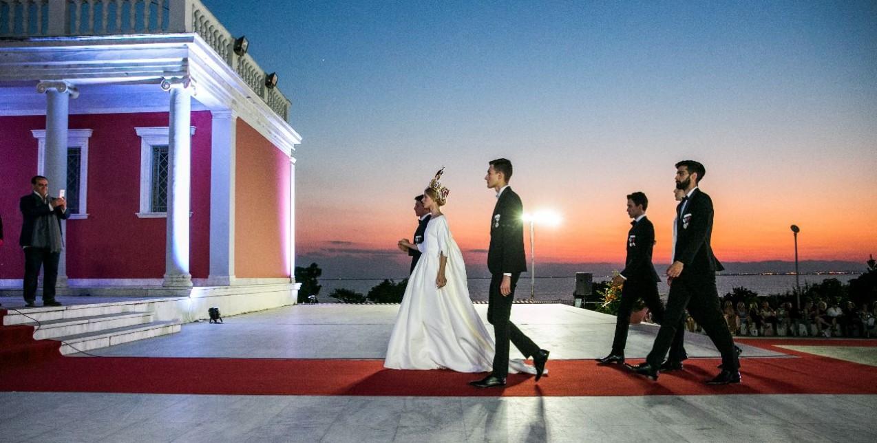 Δείτε πρώτοι πλούσιο φωτογραφικό υλικό από το show του Βασίλη Ζούλια