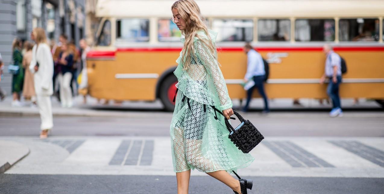 Τα διάφανα ρούχα που λάτρεψαν οι fashionistas στη New York Fashion Week