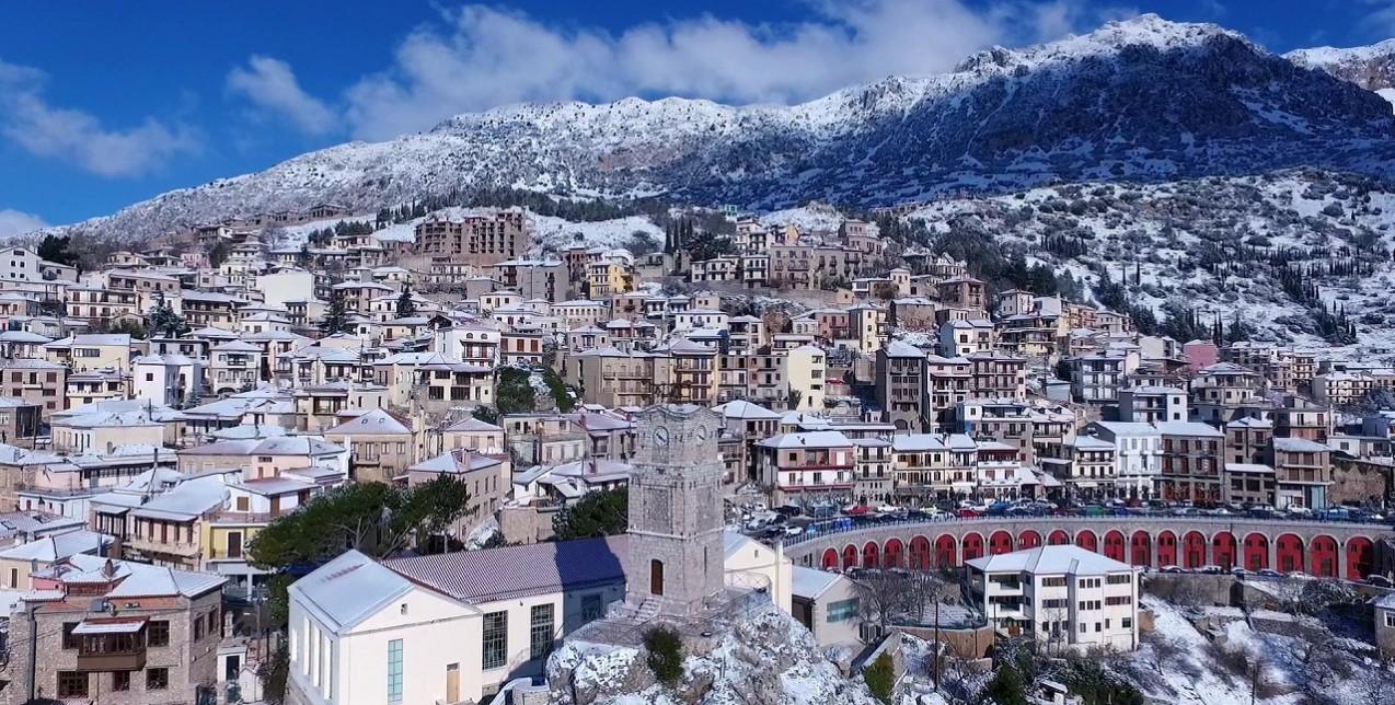 Αράχωβα: 24 ώρες στον απόλυτα κοσμοπολίτικο χειμερινό προορισμό