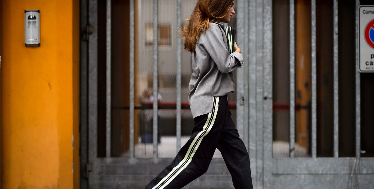 Πώς θα φορέσετε το παντελόνι που λατρεύουν όλα τα fashion girls