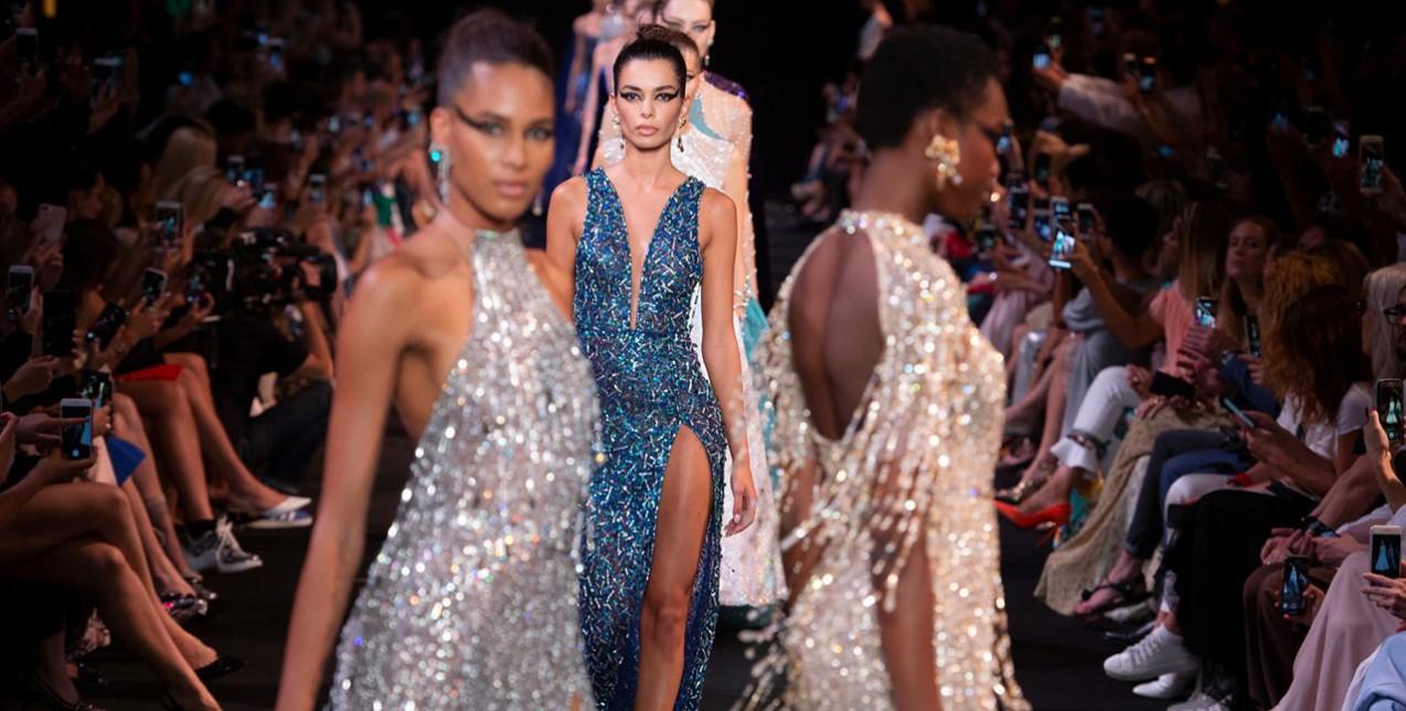 Οι τάσεις στα βραδινά φορέματα που θα σας κάνουν πραγματικά super glamorous 4fbe8d9ef3c
