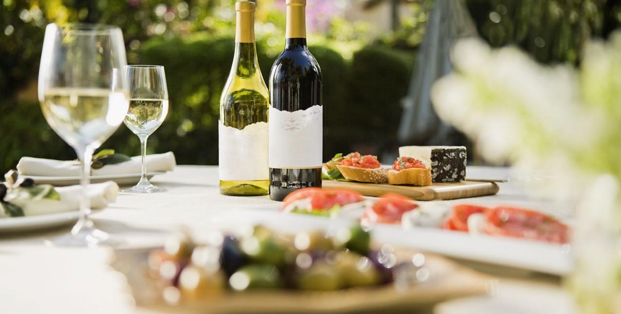 Λαχταριστές και ιδιαίτερες συνταγές με κύριο συστατικό το κρασί