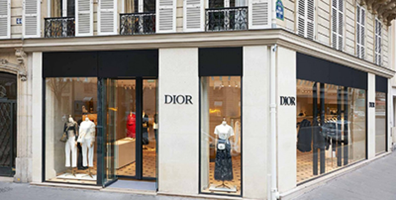 Parisian Pop-Up Store