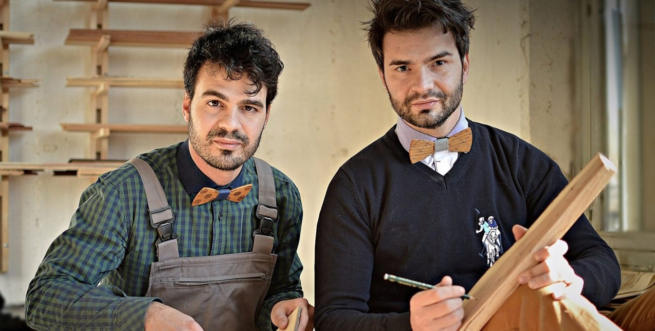 Λεωνίδας και ο Χαράλαμπος Σούρας: Δημιουργώντας κομψοτεχνήματα με ξύλο