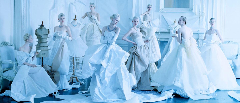 Ένα υπέροχο λεύκωμα ξετυλίγει την ιστορία της φωτογραφίας μόδας
