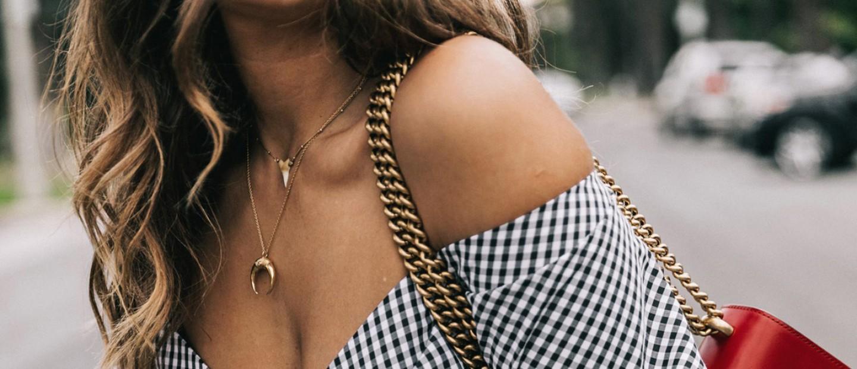 Moon necklace: αυτό είναι το νέο κόσμημα-εμμονή