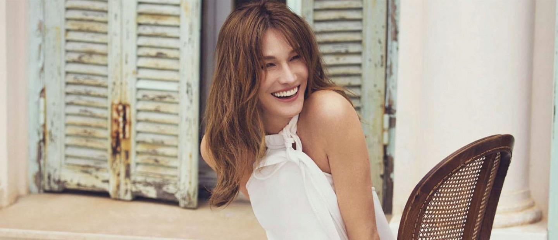 Carla Bruni: Οι beauty συνήθειες που την κρατάνε νέα στα 50 της