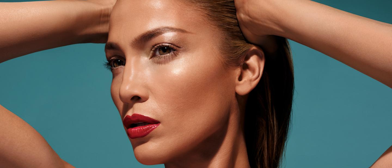 Τα 6 makeup βήματα που ακολουθεί η Jennifer Lopez και λάμπει πάντα