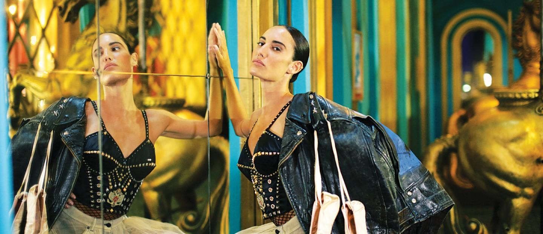 Το απίθανο show του Jean Paul Gualtier στο παριζιάνικο Folie Bergère
