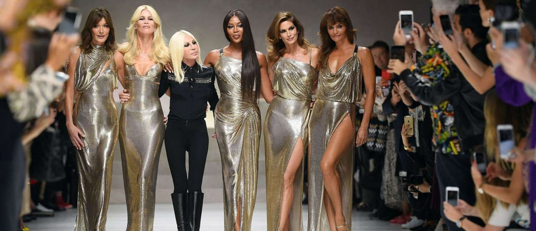 Donatella Versace: Απόψεις περί ζωής και μόδας από τη γυναίκα που τα βίωσε όλα