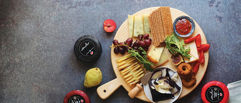 Cheese lovers: Υπέροχες προτάσεις για τους λάτρεις ενός ακαταμάχητου πλατό τυριών -και όχι μόνο