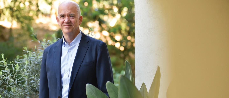 O dr. Ανδρέας Α. Παπανδρέου, καθηγητής περιβαλλοντικών οικονομικών στο Εθνικό και Καποδιστριακό Πανεπιστήμιο Αθηνών μάς εξηγεί γιατί το μέλλον του πλανήτη είναι στο χέρι μας