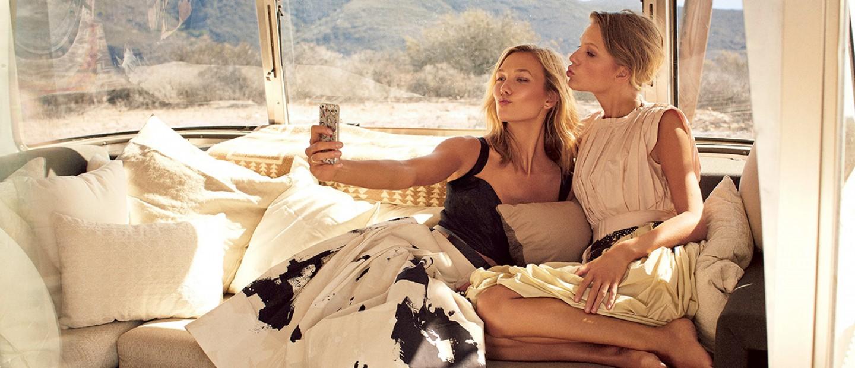 Μυστικά για να βγαίνετε αψεγάδιαστες στις εορταστικές selfies
