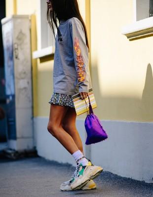 Φορέστε τα sneakers σαν μία αληθινή street style star