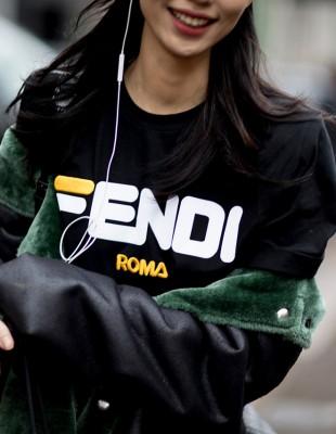 Υιοθετήστε το logomania trend που τρέλανε τα κορίτσια της μόδας