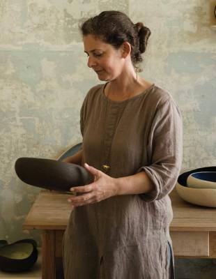 Η κεραμίστρια Μυρτώ Ζηρίνη μας ξεναγεί στον δημιουργικό της κόσμο