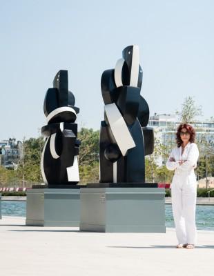 Η Σοφία Βάρη παρουσιάζει στην Ελλάδα την έκθεση Φόρμες και Αντιθέσεις