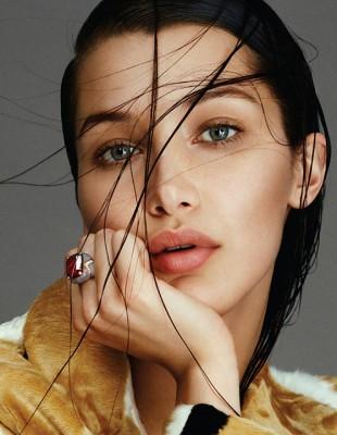 Η Bella Hadid σε ένα παιχνίδι θάρρους ή αλήθειας με beauty περιεχόμενο
