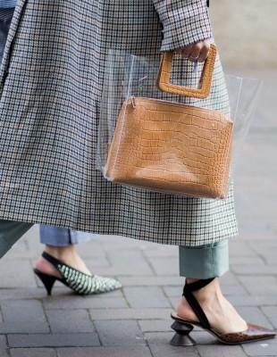 Θα λατρέψετε τις τσάντες που επιλέγουν οι Γαλλίδες fashionistas
