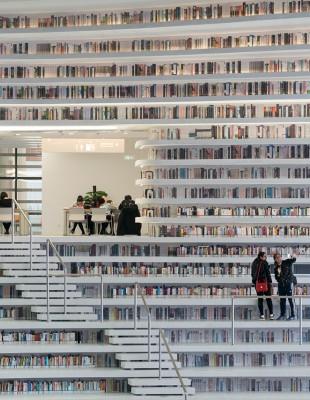 Η Tianjin Binhai Library είναι μια βιβλιοθήκη που σίγουρα δεν έχετε ξαναδεί