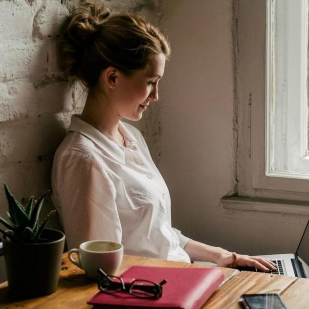 4+1 συμβουλές για να κάνετε το online dating παιχνιδάκι