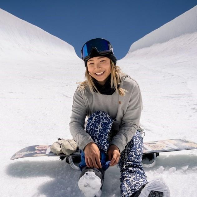 Μια Ολυμπιονίκης snowboarder μοιράζεται skincare tips για το κρύο