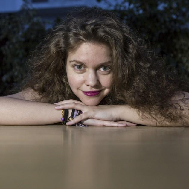 Η Λίλα Μπακλέση μας μιλά για έναν έρωτα Κάτω απ' τ' Αστέρια